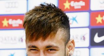 Star-gazing Neymar 'feels complete' at Barca