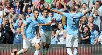 Super Negredo nods in to see nervous City past Hull