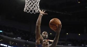 NBA: Clippers beat Knicks in clash of division leaders