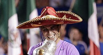 Nadal mauls Ferrer to clinch Mexican Open