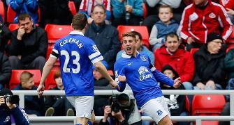 EPL PHOTOS: Everton go fourth; Relegation battle runs close