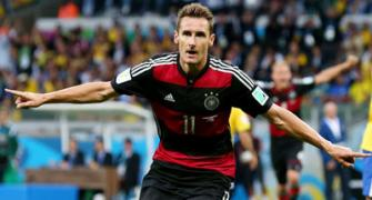 Klose scores 16th World Cup goal to break all-time record