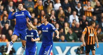 EPL PHOTOS: Chelsea beat valiant Hull to go six points clear
