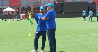Should Dhoni continue? Kumble 'not sure'