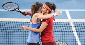Unstoppable Sania-Hingis equal record winning streak