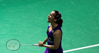 Saina beats Sun to win Australian Open Super Series title