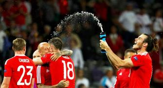 Euro: Wales thump Russia to top group, enter last sixteen