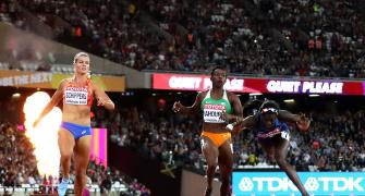 PHOTOS, World C'ships: Bowie snatches 100m gold; Walsh takes shot gold