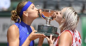 Mattek-Sands and Safarova win French Open doubles