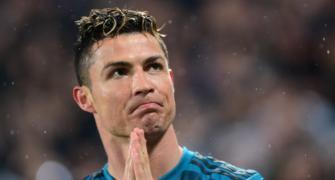 Ronaldo donates equipment to Portuguese hospitals