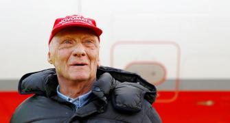 Former F1 champ Niki Lauda dead