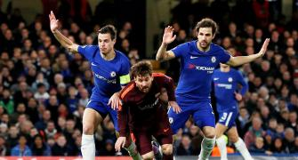 Conte says Chelsea should be ready to suffer at Barca