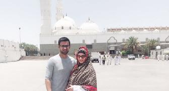 Parents-to-be Shoaib-Sania at Medina pilgrimage