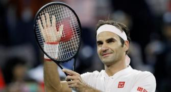 Tennis Roundup: Federer survives Medvedev scare in Shanghai