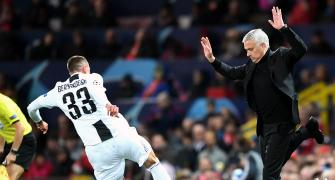 How can Mourinho fix ManU's problems?