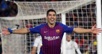 Barcelona thump Real as ruthless Suarez sticks knife into Lopetegui