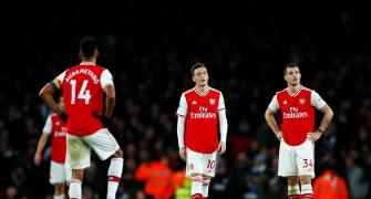 'EPL players should have right to refuse to return'