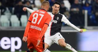 Double for record-setting Ronaldo as Juve beat Udinese