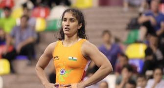 Shock defeat for Vinesh at wrestling event