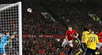 EPL: United held by Arsenal as both struggle to shine