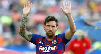 Messi, Barca teammates to take additional pay cut