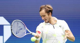 Medvedev goes from villain to hero at US Open