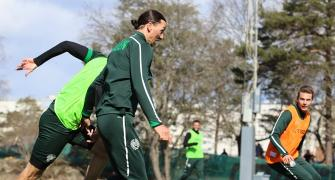 Zlatan shrugs off coughing fit, trains with Hammarby