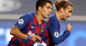 Suarez cuts Barca contract, agrees Atletico terms
