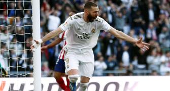 Benzema strike gives Real win; Bayern win to go top
