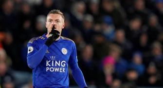 Vardy back among goals as Leicester rout Villa