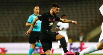 Europa: United crush Linz in empty stadium, Wolves draw