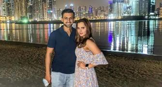 What are Sania and Shoaib doing at the beach?