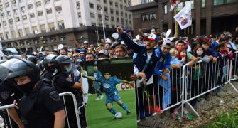 For Maradona, Argentina keep aside COVID-19 fears