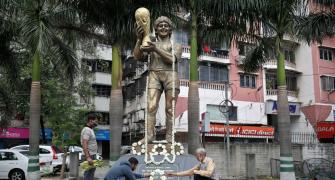 Indian fans mourn Maradona in soccer-mad Kolkata
