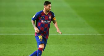 No winners as Messi decides to stay at Barcelona