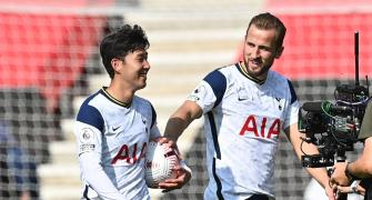 PICS: Son, Kane lead Spurs rout of Southampton