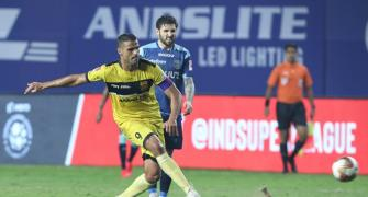 ISL: Ruthless Hyderabad send Kerala Blasters packing