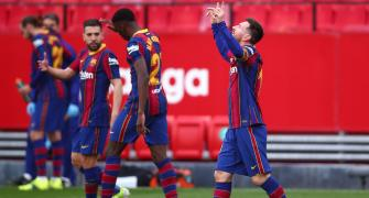 Messi scores as Barcelona sink Sevilla