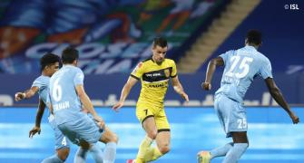 ISL: Plucky Hyderabad hold Mumbai