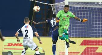 ISL: 10-man East Bengal hold Chennaiyin to draw