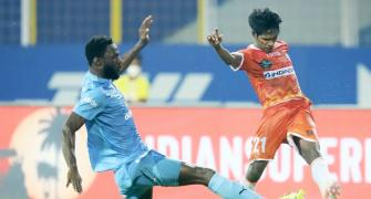 ISL semis: FC Goa, Mumbai play out draw in first leg