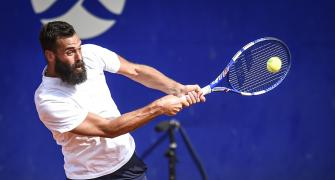 Paire spits on court, tanks and exits Argentina Open
