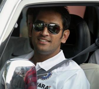 The loyalties of captain Dhoni