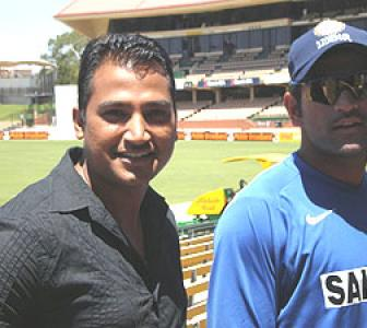 Spotted: Mahendra Singh Dhoni in Adelaide