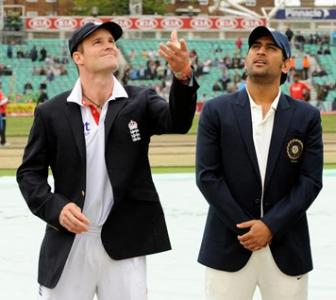 Images: Rain interrupts England's charge