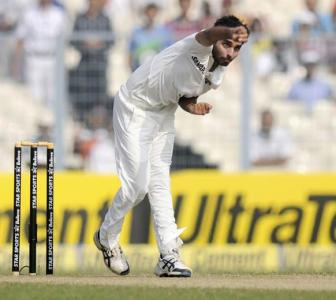 India can't bowl England out twice: Vengsarkar