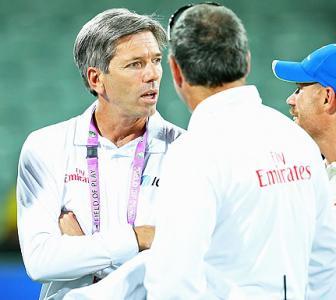 IPL: Umpire Llong busts door after argument with Kohli