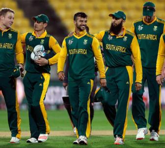De Villiers' 99 helps South Africa cruise into World Cup quarters