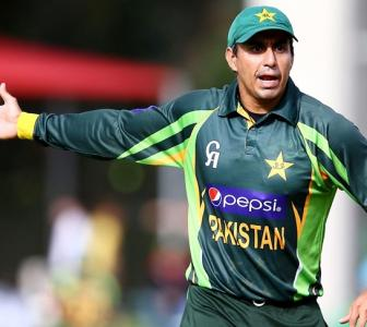 Banned Pak cricketer pleads guilty to bribery charges