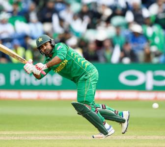 Pakistan captain Sarfraz suspended for controversial taunt